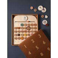 https://dodoandberries.com/pub/media/catalog/product/cache/d192bb0fdd00b28cb40749246642e581/m/o/moon-picnic-my-calendar-2-web-600x800_1_.jpg