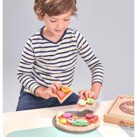 https://dodoandberries.com/pub/media/catalog/product/cache/d192bb0fdd00b28cb40749246642e581/t/l/tl8275_pizza_with_boy_choosing_slice.jpg